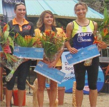 Nathalie Viratelle, Suzanne Hirigoyen et la lauréate Isabelle Oblet composent, de gauche à droite,  le podium final du Grand Prix du Nord féminin 2013.