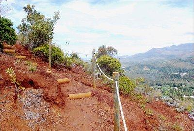 L'ascension du mont Goumba est raide donc assez sportive, mais les marches et le sentier en bon état permettent une balade agréable.
