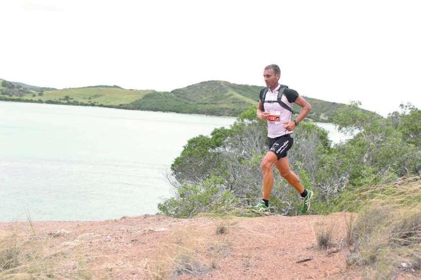 Le triathlète Patrick Vernay a remporté le premier Xterra Caledonia samedi matin en 1 h 50'06. Photos T.M.