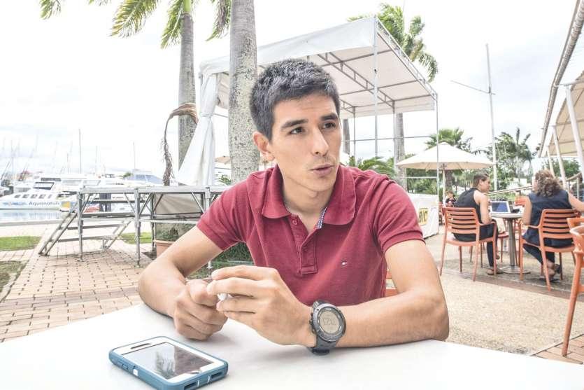 L'homme, ici cette semaine à Nouméa, parle aussi posément qu'il accélère brutalement une fois les premières attaques lancées.