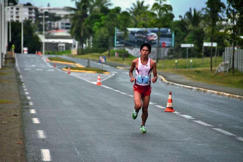 Yuki Kawauchi aura été bien seul sur le Marathon de Calédonie cette année. Photo MRB