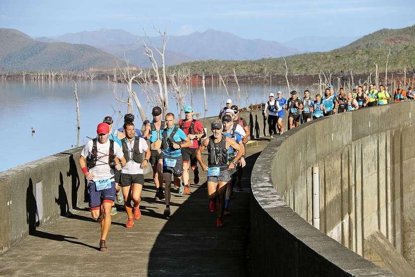 Chaque année, plus d'un millier de coureurs s'élancent depuis le barrage de Yaté. Photo archives LNC